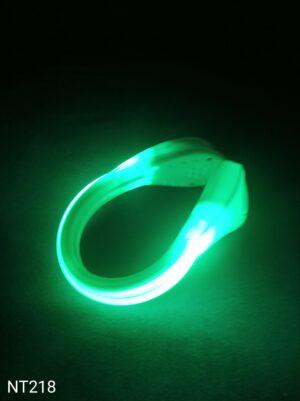 Svítící LED klip na boty zelený