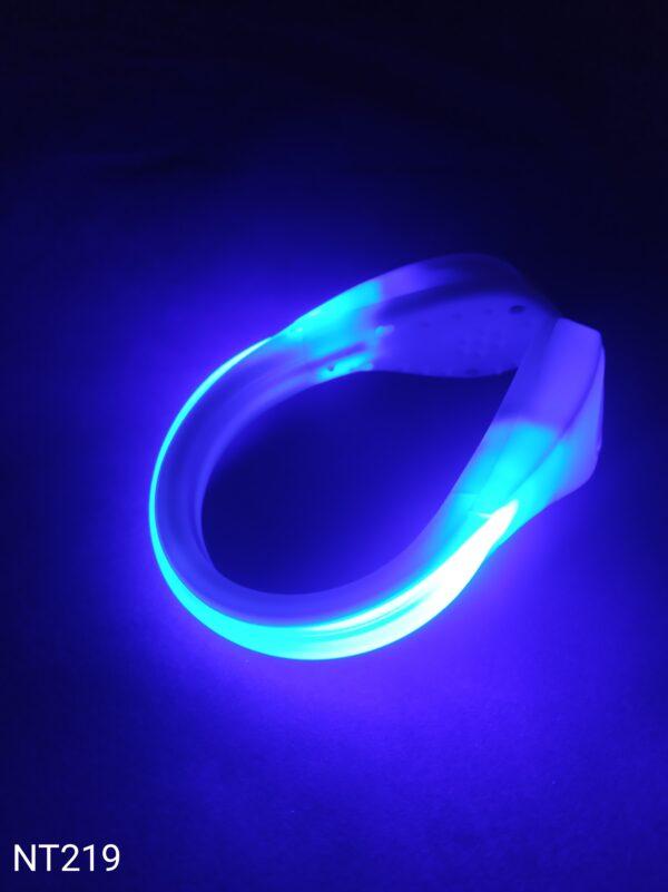 Svítící LED klip na boty modrý