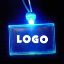 Reklamní přívesek na krk svítící obdélník